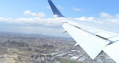 Dernier virage avant l'atterrissage : New York est en vue !  (Photo Micheline)