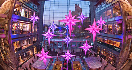 Le Time Warner Center sous le signe des étoiles de Noël ! (Photo D.R.)
