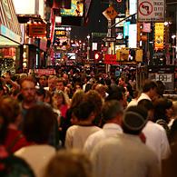 Times Square, vedette du tourisme new-yorkais. (Photo D.R)