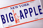 "New York est surnommée la ""Big Apple""."