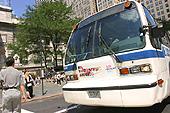 Les bus de New York circulent tous les jours, 24h/24.