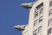 Les gargouilles du Chrysler building veillent sur New York.