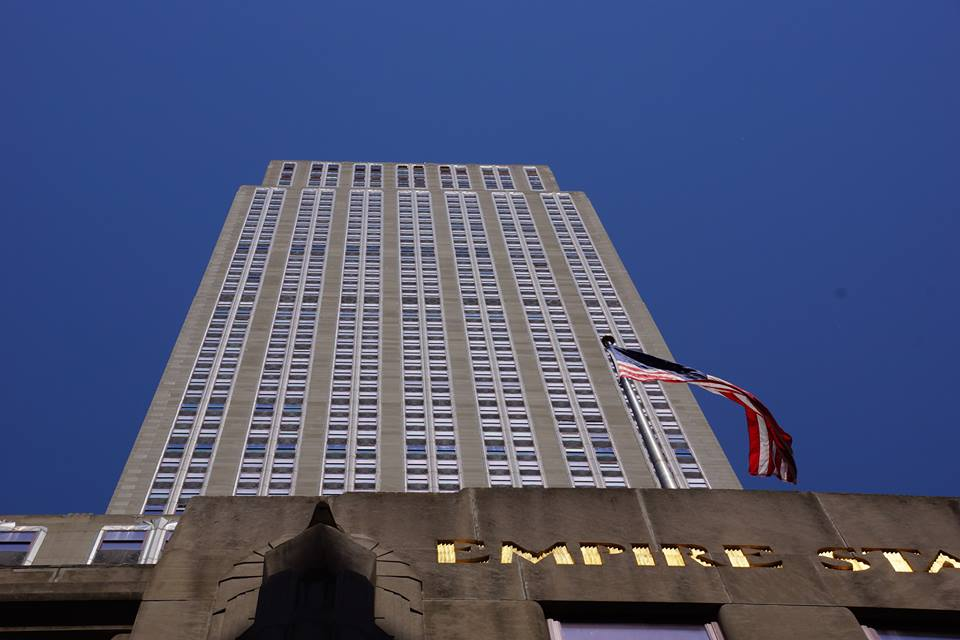 14592 additionally New York L59 furthermore Art Deco Voyage An Introduction To Art Deco likewise 152452322 further King Kong. on art deco empire state building