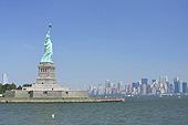 De la base jusqu'à la torche, la statue mesure 46,50 mètres.