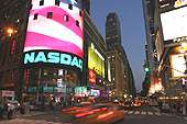 De nuit, Times Square brille de mille feux !