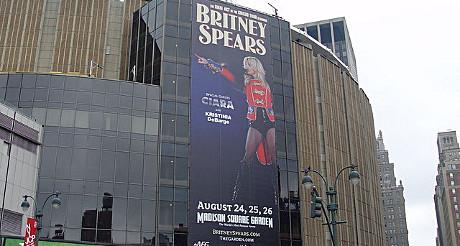 Affiche pour un concert de Britney Spears au Madison Square Garden.