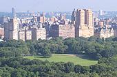 Immeubles de luxe bordant Central Park.