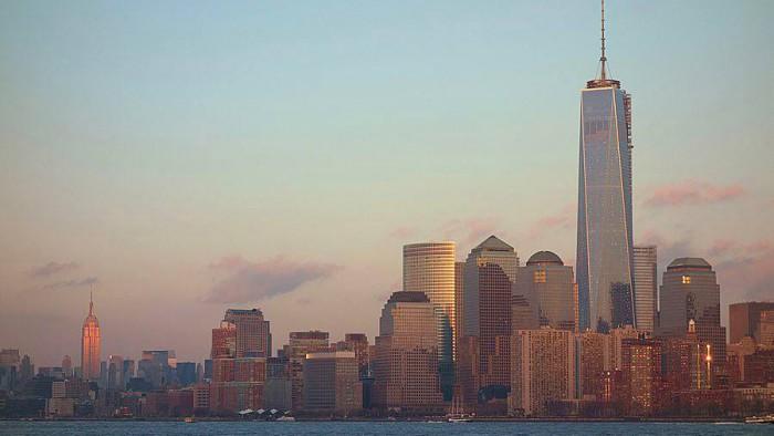 La One World Trade Center surplombant New York