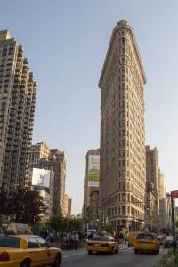 Le Flatiron building vu depuis la Fifth Avenue