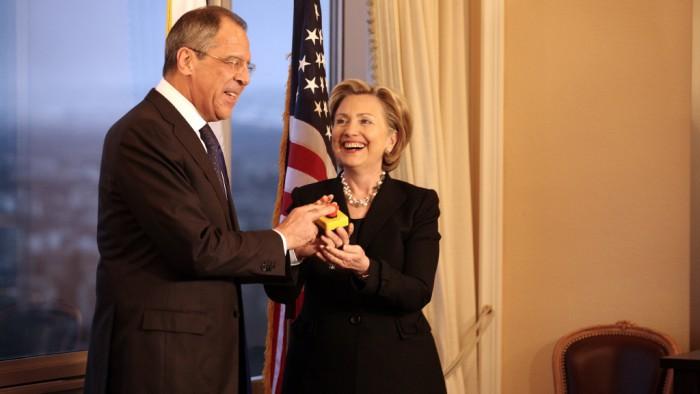 Hillary Clinton et le ministre russe des affaires étrangères. (Photo DR)
