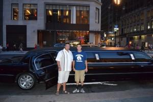 N'oubliez pas la photo devant la limousine ! (Photo Serena)