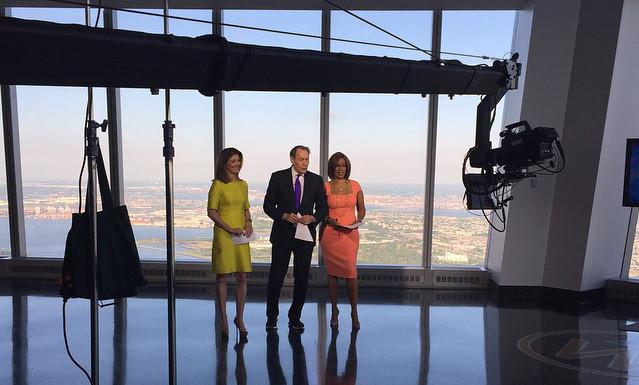 Les présentateurs de CBS au sommet ! (Photo DR)