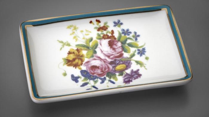 Souvenir inspiré de Sèvres dans la boutique de la Frick Collection. (Photo DR)