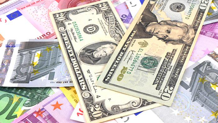 billets euro et dollars