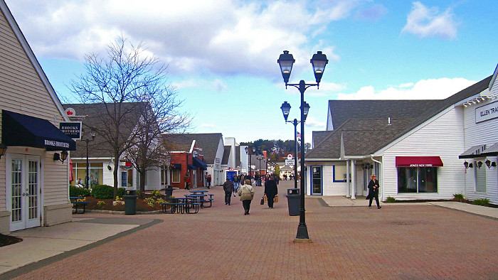 Shopping Woodbury Common Outlet