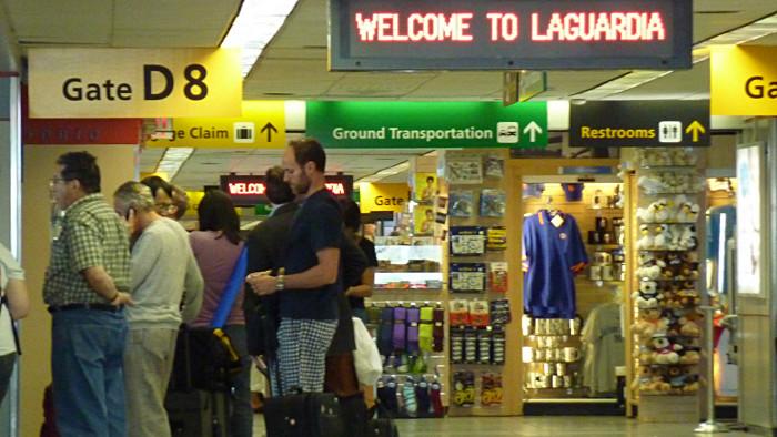 Les couloirs de l'aéroport de La Guardia. (Photo  Jim McIntosh)