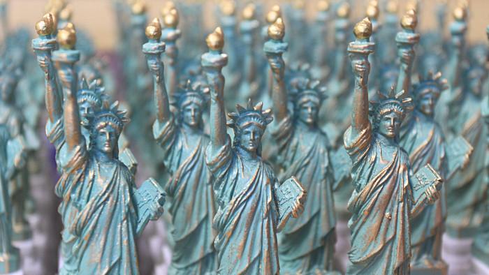 Les mini-statues de la Liberté sur Liberty Island ! (Photo Didier Forray)