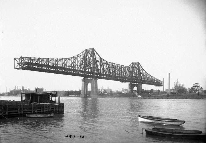 Construction du Queensboro Bridge en 1907.