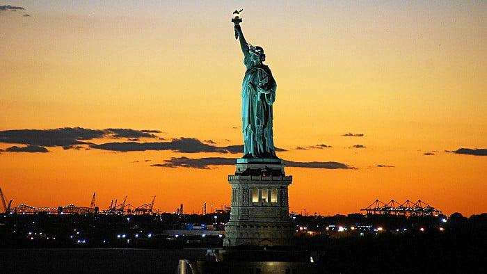 Les croisi res au coucher du soleil d sormais quotidiennes - Coucher du soleil new york ...