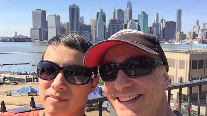 Amélie et Bertrand sur la promenade de Brooklyn Heights.