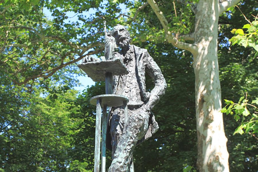 5 raisons de visiter la statue de la libert new york for Createur statue de la liberte