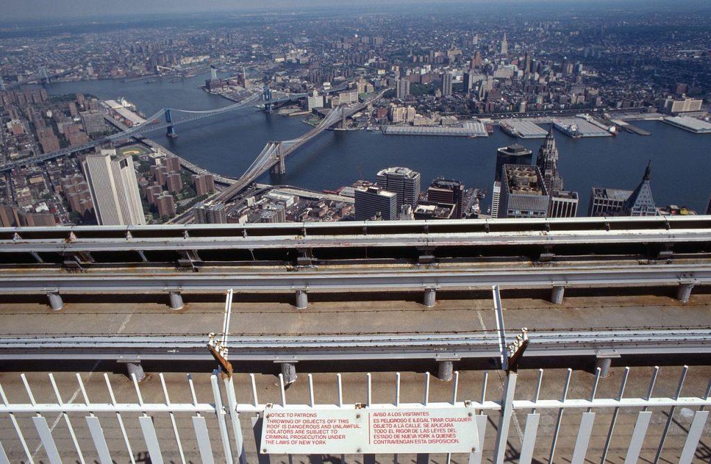 Vue sur le pont de Brooklyn et l'East River.