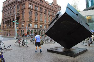 L'Astor Place Cube fait son retour à New York