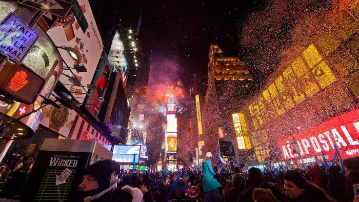 feu d'artifices Nouvel An sur Times Square