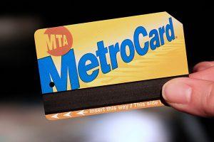 Combien coûte un ticket de métro et de bus à New York ?