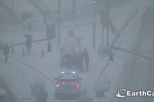 Une tempête de neige «monstre» s'abat sur New York