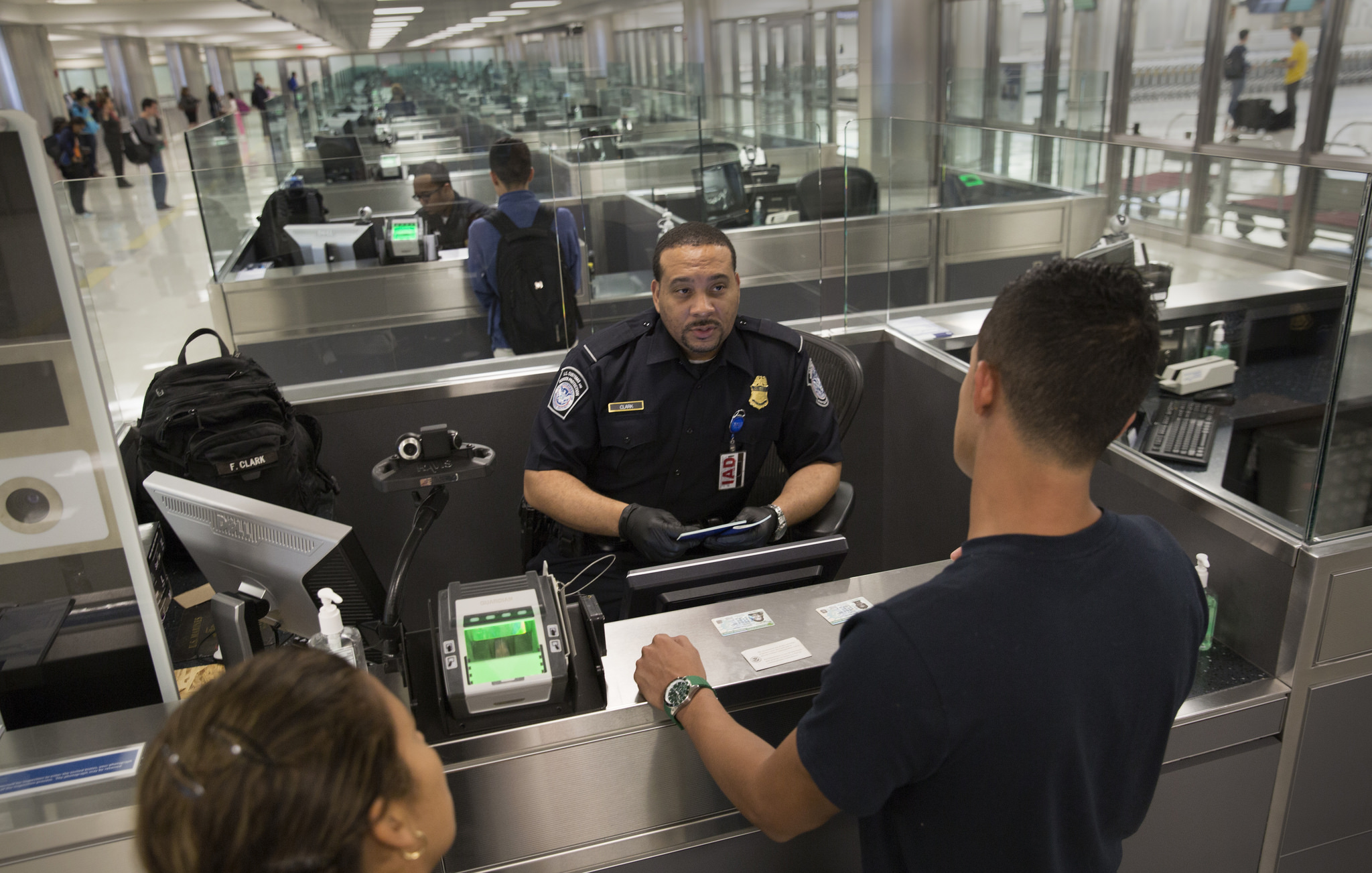 https://www.cnewyork.net/wp-content/uploads/2017/03/immigration-us-new-york-4.jpg
