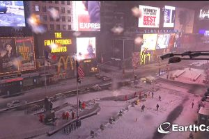 New York paralysée par la tempête de neige Stella