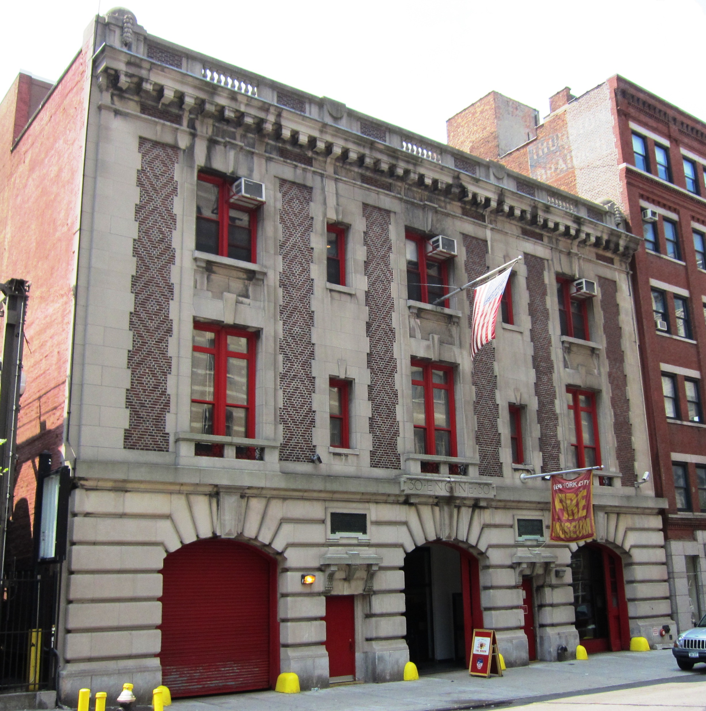 Nyc Fire Museum Le Mus 233 E Des Pompiers De New York 169 New York