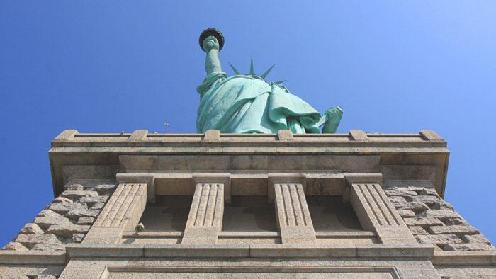 piedestal statue liberte new york