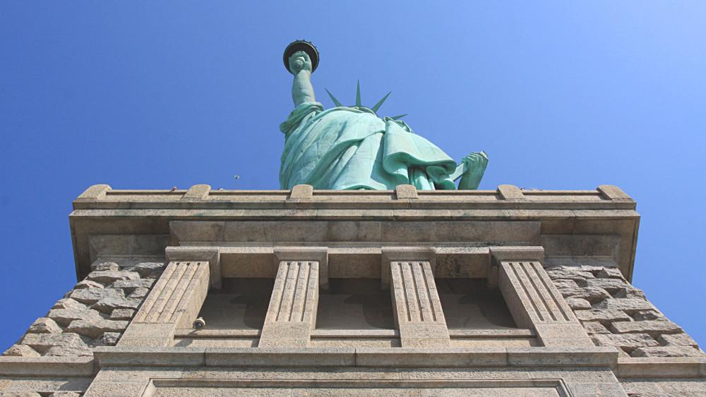 Comment visiter le pi destal de la statue de la libert for Createur statue de la liberte