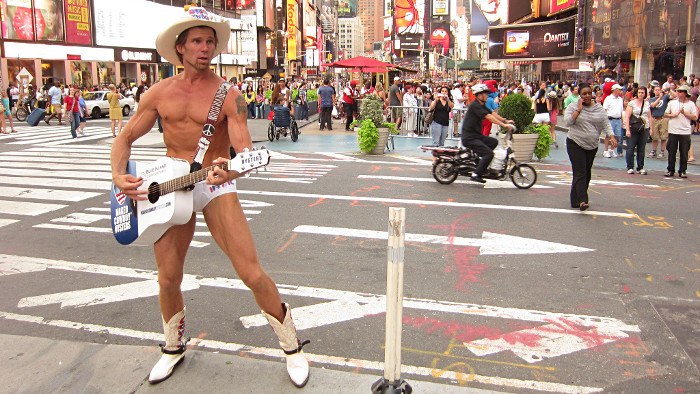 naked-cowboy-new-york