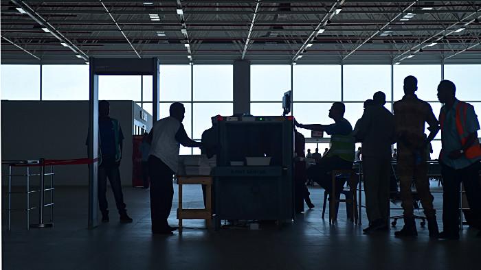 De nouvelles mesures de sécurité pour les vols vers les USA — Aéroports