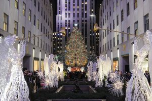 Le sapin de Noël du Rockefeller Center illumine New York !