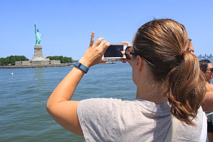 statue photo new york