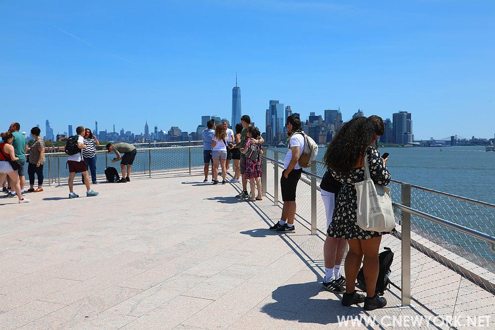 musee statue liberte new york toit