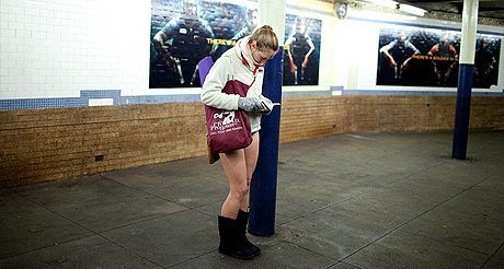Prenez le métro de New York sans pantalon !