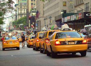 Une enfilade de taxis