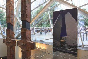 Une poutre de l'ancien World Trade Center. (Photo Didier Forray)