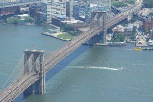 Le pont de Brooklyn mesure 1,8 km de long. (Photo Didier Forray)