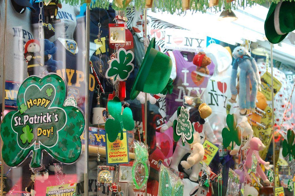 Les boutiques de souvenirs à l'heure irlandaise ! (Photo Julie Feinstein)