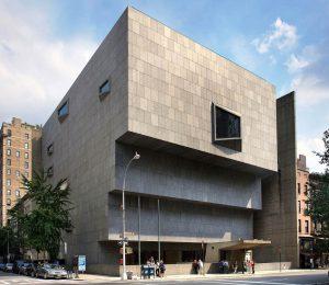 Le bâtiment conçu par Marcel Breuer. (Photo MET)