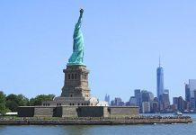 La statue de la Liberté et Manhattan