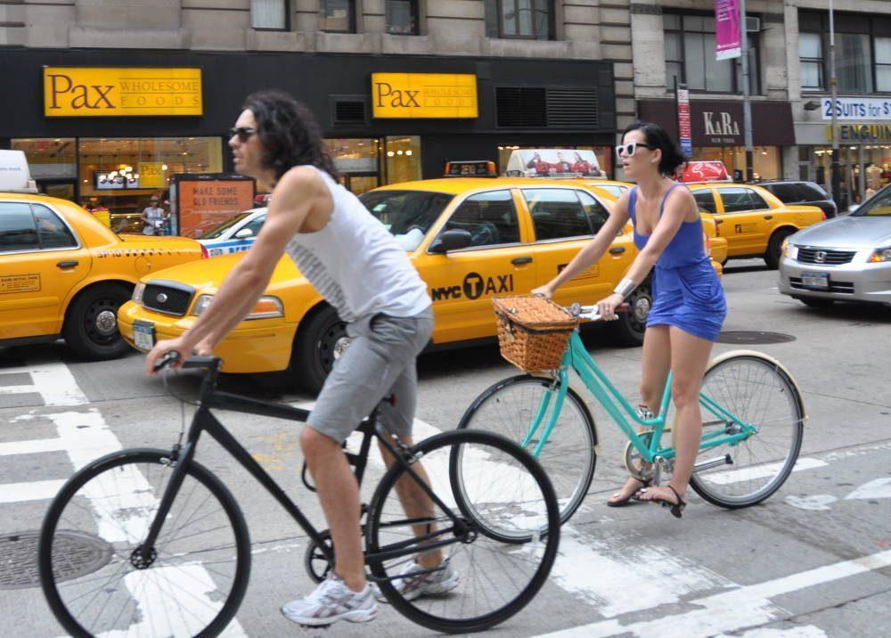 La chanteuse Katy Perry aime elle aussi le vélo à New York