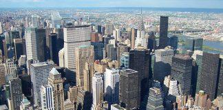 La vue sur New York depuis l'observatoire de l'Empire State building