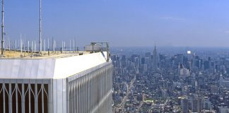 La vue depuis la tour n°2 du World Trade Center, avant le 11 septembre 2001.